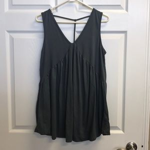MTS sleeveless flowing tank-worn once